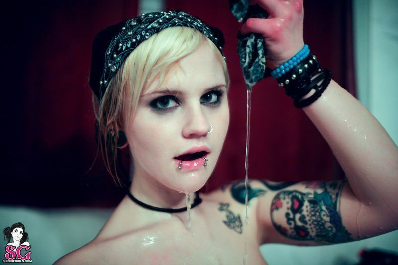 kiefer-suicide-girls-35