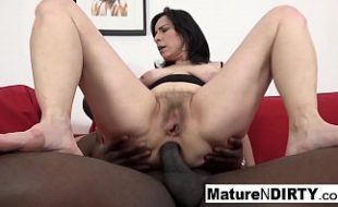 Sexo anal com coroa casada fogosa